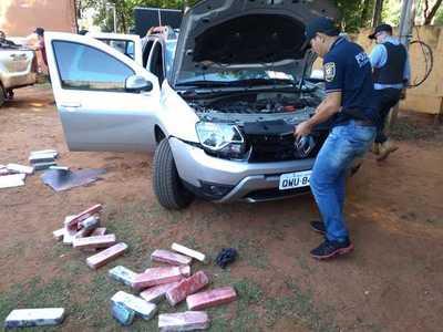 Brasileño fue detenido con drogas incrustadas dentro de su vehículo