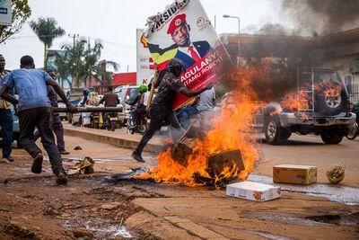 Aumentan a 28 los muertos en Uganda tras el arresto del opositor Bobie Wine