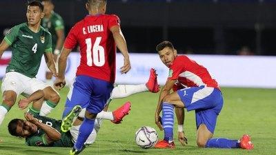 Paraguay-Bolivia: El árbitro sancionó penal y luego cambió al ver otra repetición