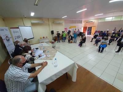 Firman convenio para implementación de Plazas Deportivas en Itapúa