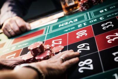 Endurecen control antilavado para juegos de azar y operaciones de cambio