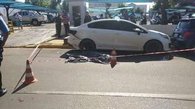 JOVEN FALLECE TRAS CHOCAR CONTRA UN VEHÍCULO ESTACIONADO