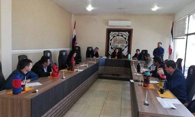 Digno Caballero vuelve a reclutar a concejales serviles y cambia elección en la Junta de Minga