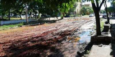 ¡Vergüenza!: a más de un año de la obra, calle sigue destrozada