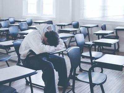 Alumnos denuncian malos tratos en universidades y piden atender la salud mental
