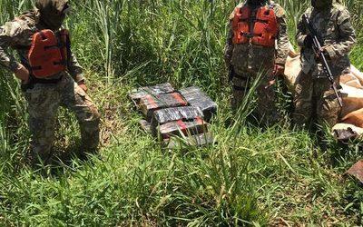 Incautan paquetes de marihuana durante patrulla fluvial