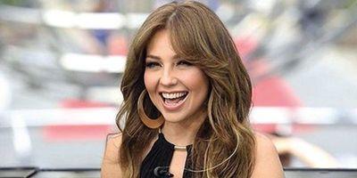 """Thalía lanza una """"Feliz Navidad"""" bilingüe"""