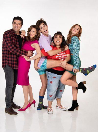 """Serie mexicana """"40 y 20"""" sube su tono en la quinta temporada"""