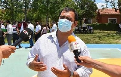 Caazapá: Gobernador inaugura pista multiuso en escuela de Yuty