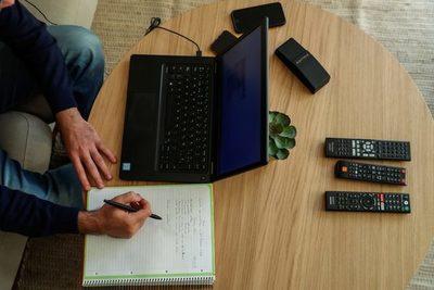 """Inversionista colombiano señala que el """"futuro del trabajo"""" es el remoto"""