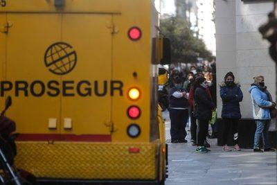 """El FMI afirma que """"se han logrado buenos avances"""", tras la misión en Argentina"""