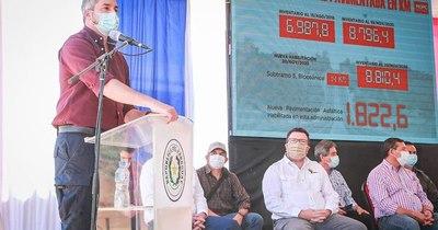 La Nación / Desafía a que le encuentren tierras malhabidas