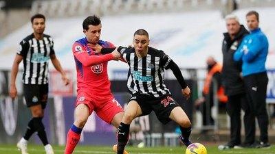 Con Almirón en los últimos minutos, Newcastle cayó ante Chelsea