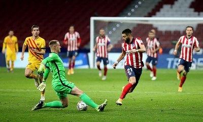 Atlético Madrid derrotó al Barcelona que está décimo en LaLiga
