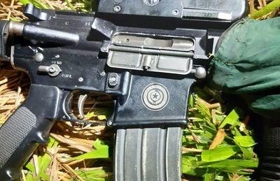 Fusil robado de uno de los ocho  militares masacrados