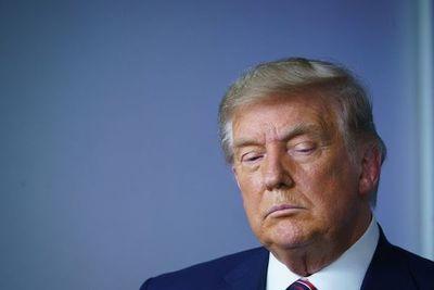 Al negar su derrota, Trump da pasto a líderes que se resisten a dejar el poder
