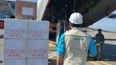 La oposición al régimen de Maduro anuncia la llegada de 32 toneladas de ayuda internacional con insumos médicos