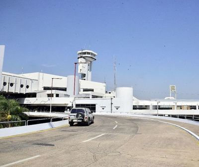 Aeropuerto pasa examen de autoridades de EE.UU. y se abre puente con el norte