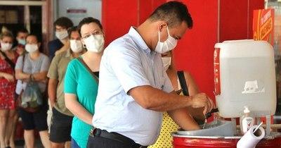 La Nación / Mientras 673 personas están internadas por COVID-19, hoy se confirman 619 casos más