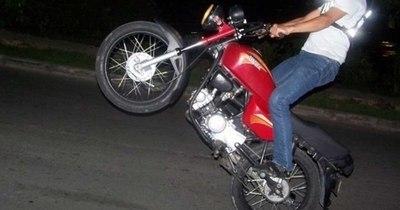 La Nación / Carrera clandestina de motos en Filadelfia provocó un aparatoso accidente