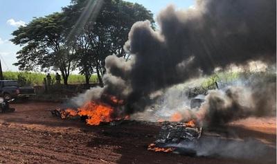 """Hallan presunta """"avioneta narco"""" incinerada en Alto Paraná"""