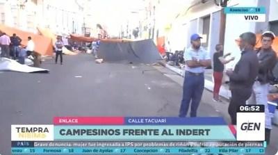 """Marcha campesina en Asunción: exigen recuperación de """"tierras malhabidas"""""""