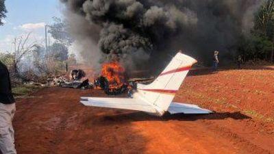 Senad halla presunta avioneta narco incinerada en Alto Paraná