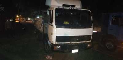 Motociclista muere arrollado por camión pesado