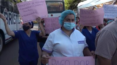 En su sexto día de huelga, funcionarios de Clínicas marchan hasta el Congreso