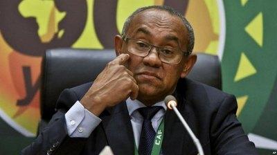 FIFA suspende por cinco años al presidente de la Confederación Africana