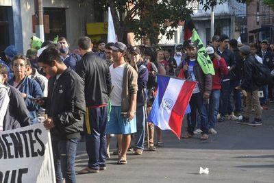 Labriegos marchan para exigir reforma agraria a la Corte