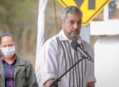 Abdo Benítez justifica veto a ley de fondos de binacionales