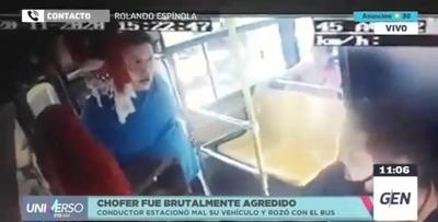 HOY / Chofer brutalmente agredido por doblar retrovisor de un auto