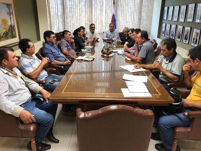 Integran mesa de trabajo con campesinos por tierras malhabidas y campos comunales