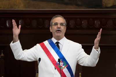 El presidente dominicano cumple cien días centrado en la covid y la economía