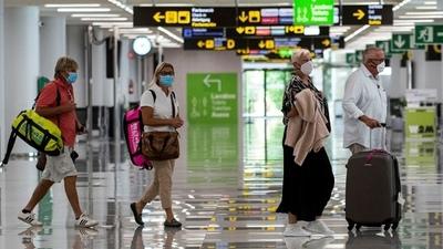 España: comenzó a regir la exigencia de pruebas de PCR negativas a visitantes de 65 países