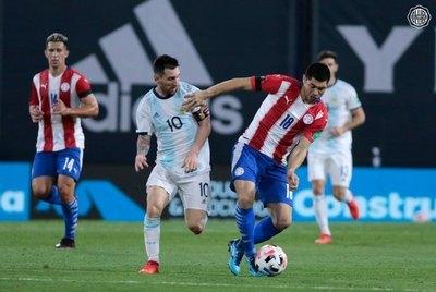 Rojas, sobre la localía de la Albirroja: 'Es increíble, es la parte futbolística'