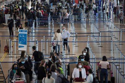 Chile recibe los primeros turistas desde marzo bajo estrictos protocolos