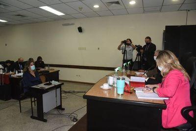 Amenazan a periodista por difundir audios de Óscar González Daher