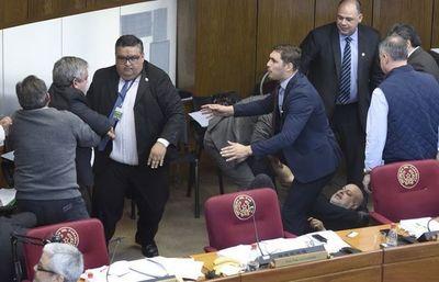 Estudian sanciones a legisladores por inconductas