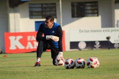 Mauro Cardozo: De recorrer el interior, ser vendedor y entrenador a figura del '12' en Primera