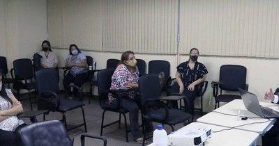 La Nación / Funcionarios judiciales se capacitan para el uso de la herramienta Judisoft en el fuero de la Niñez