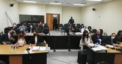 La Nación / Declararon dos testigos en el juicio a OGD y otros