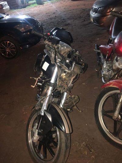 Motociclista fallece al embestir contra una camioneta en Caacupé