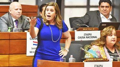 Argumento entreguista en veto a Proyecto de Ley de fondos de Binacionales, dice Kattya