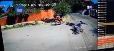 Violento choque frontal de motos en Sajonia