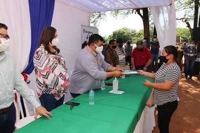 Indert entrega títulos de propiedad en Alto Paraná y presidenta ratifica compromiso con la transparencia – Diario TNPRESS