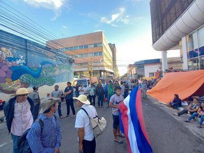 Calles del microcentro bloqueadas por movilización de campesinos