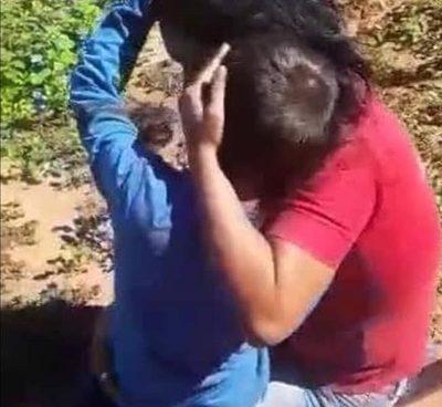 Criminal ataque a joven madre