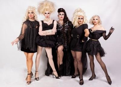 """Diseñadores preparan desfile con modelos """"Drag Queens"""""""